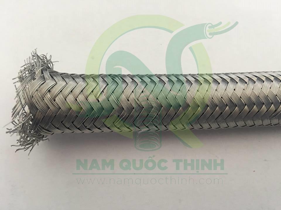 Ống ruột gà bọc lưới kim loại